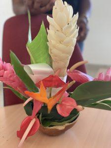 Composition florale faite par un aidant